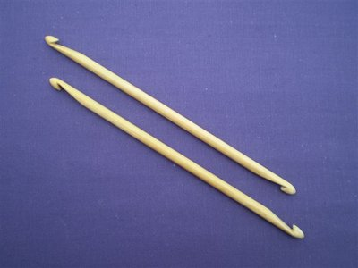 Dubbele haaknaald bamboe 16 cm.